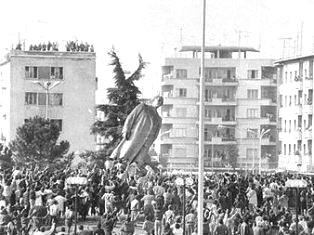 Fall_of_Communism_in_Albania
