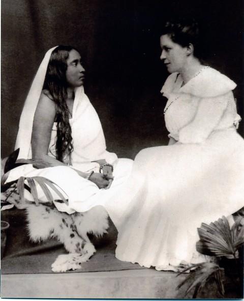 sarada_devi_and_sister_nivedita
